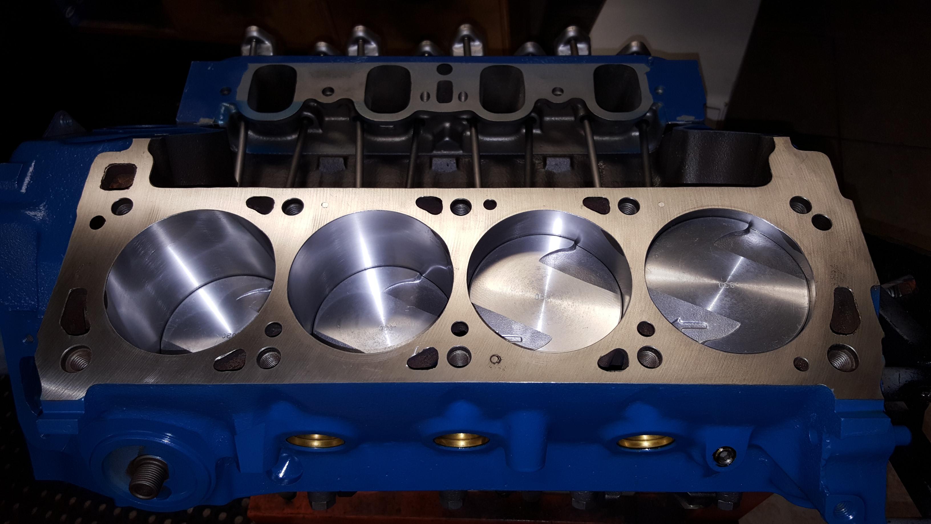 pistons engine block deck    motor mission machine  radiator