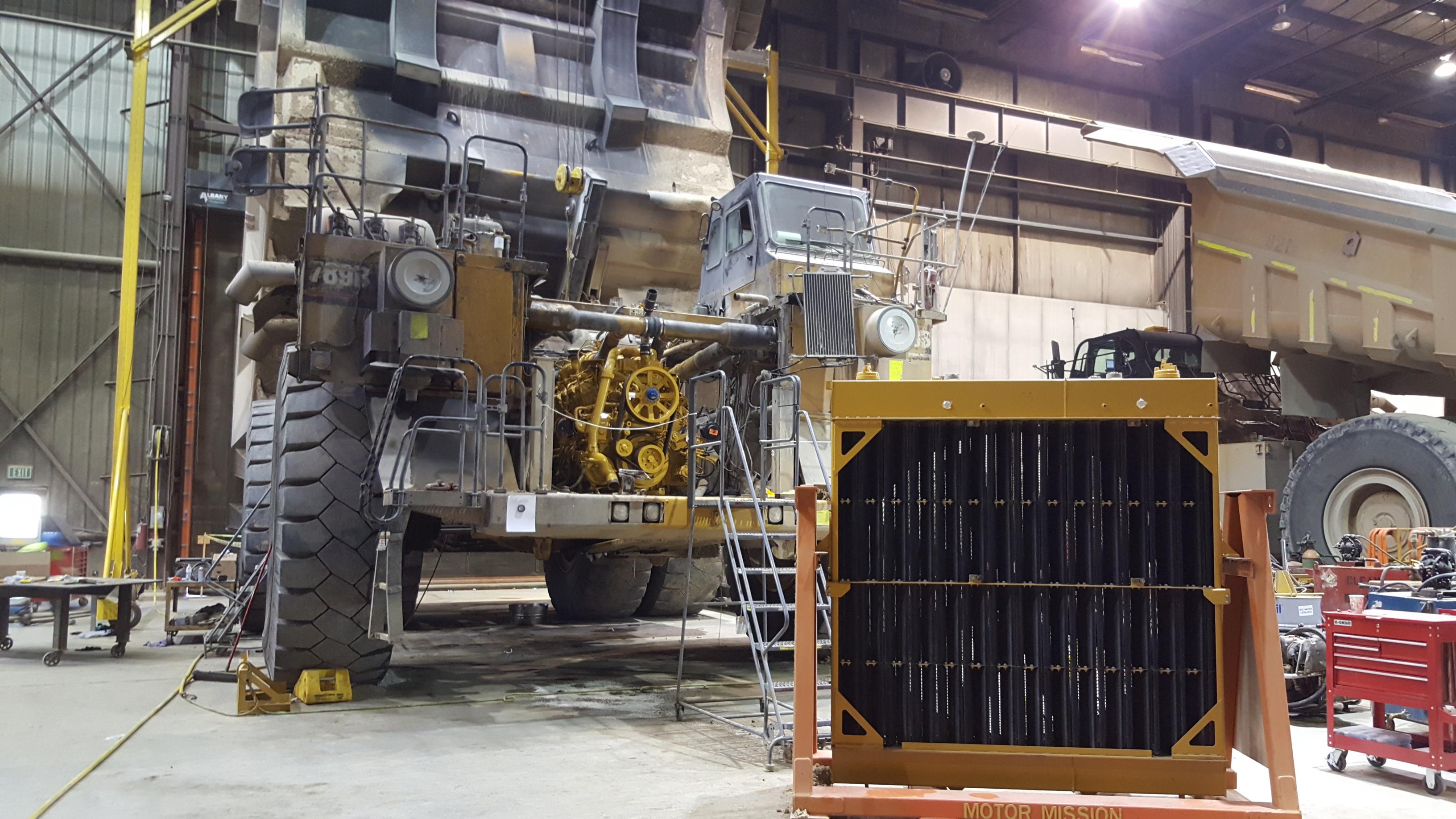Caterpillar 789b Mine Equipment Haul Truck Radiator Swap