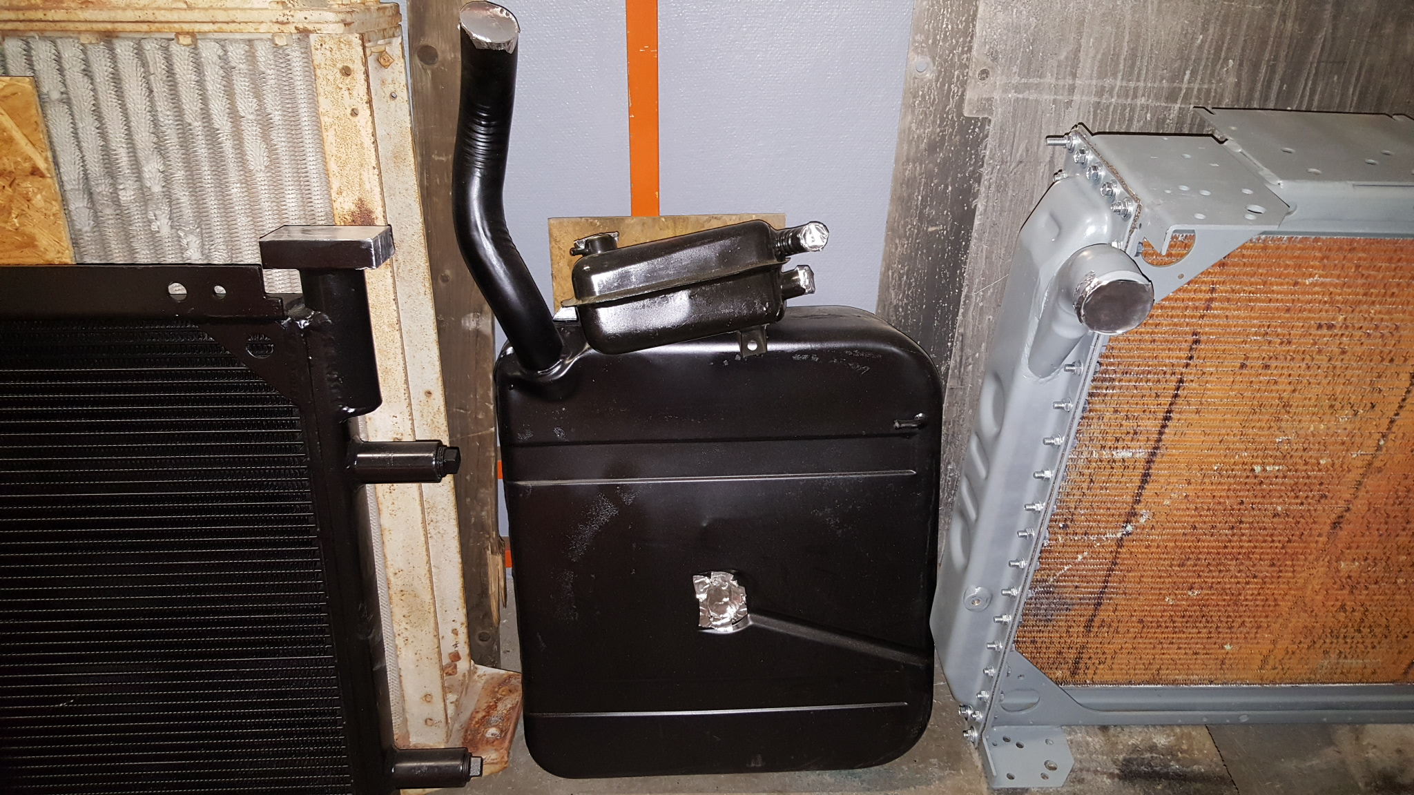 how to clean a fuel tank before welding