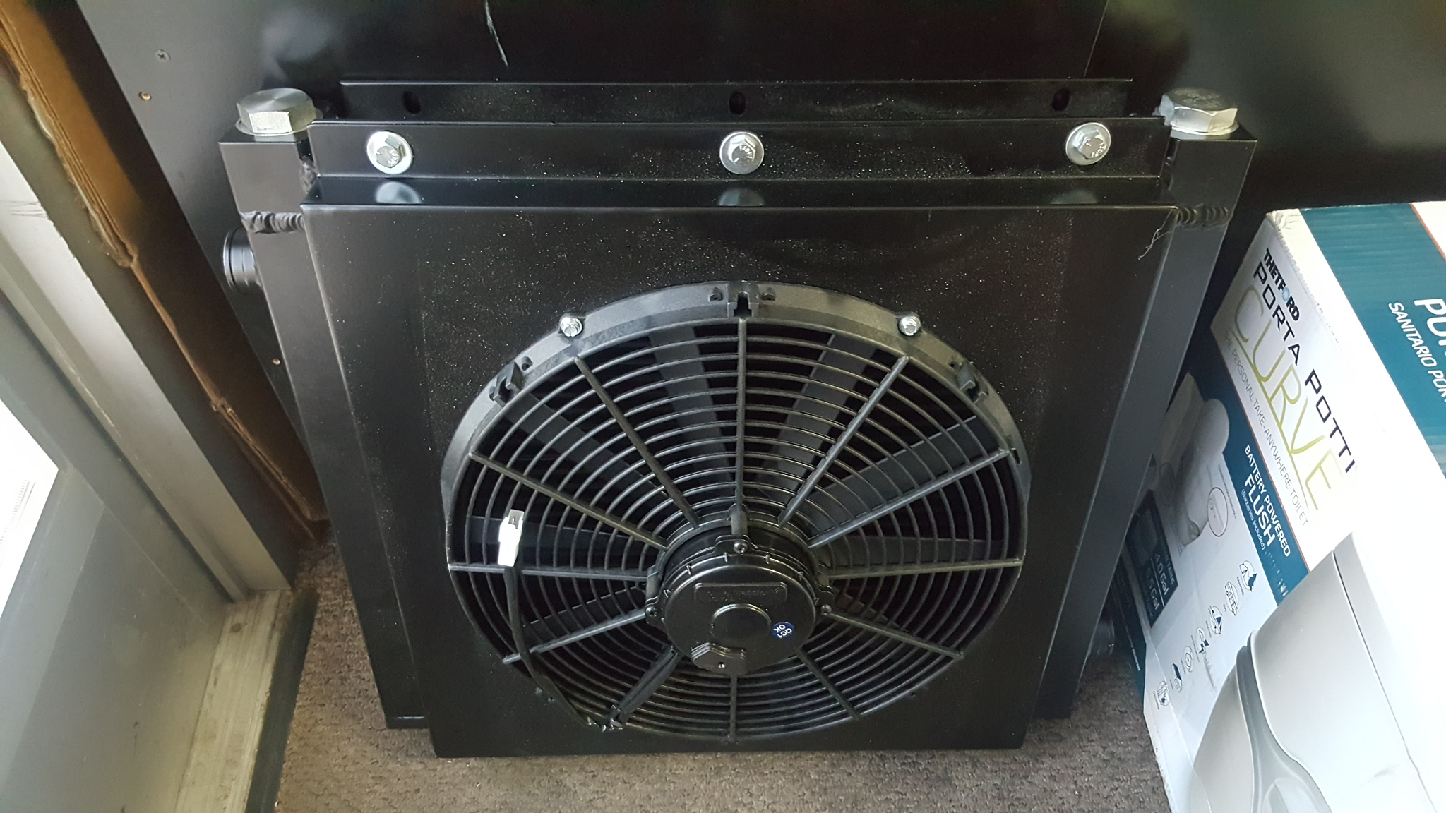 Industrial Fuel Coolers : Hydraulic oil cooler with fan shroud high performance