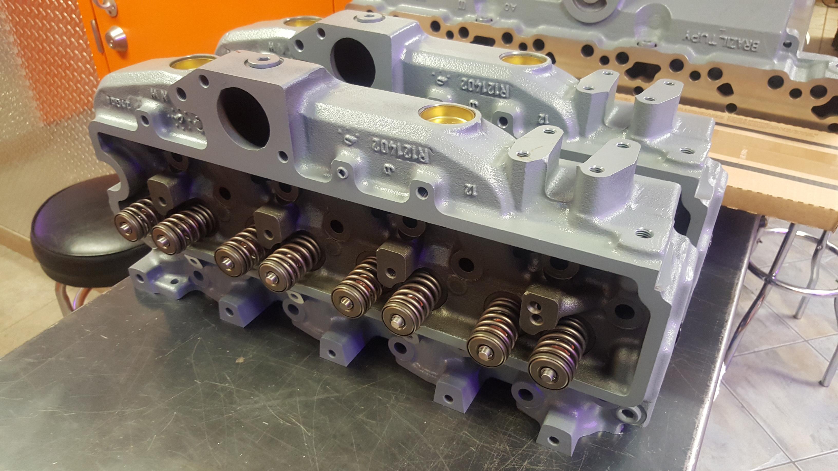 John Deere Four Cylinder Industrial Diesel Cylinder Heads Repair