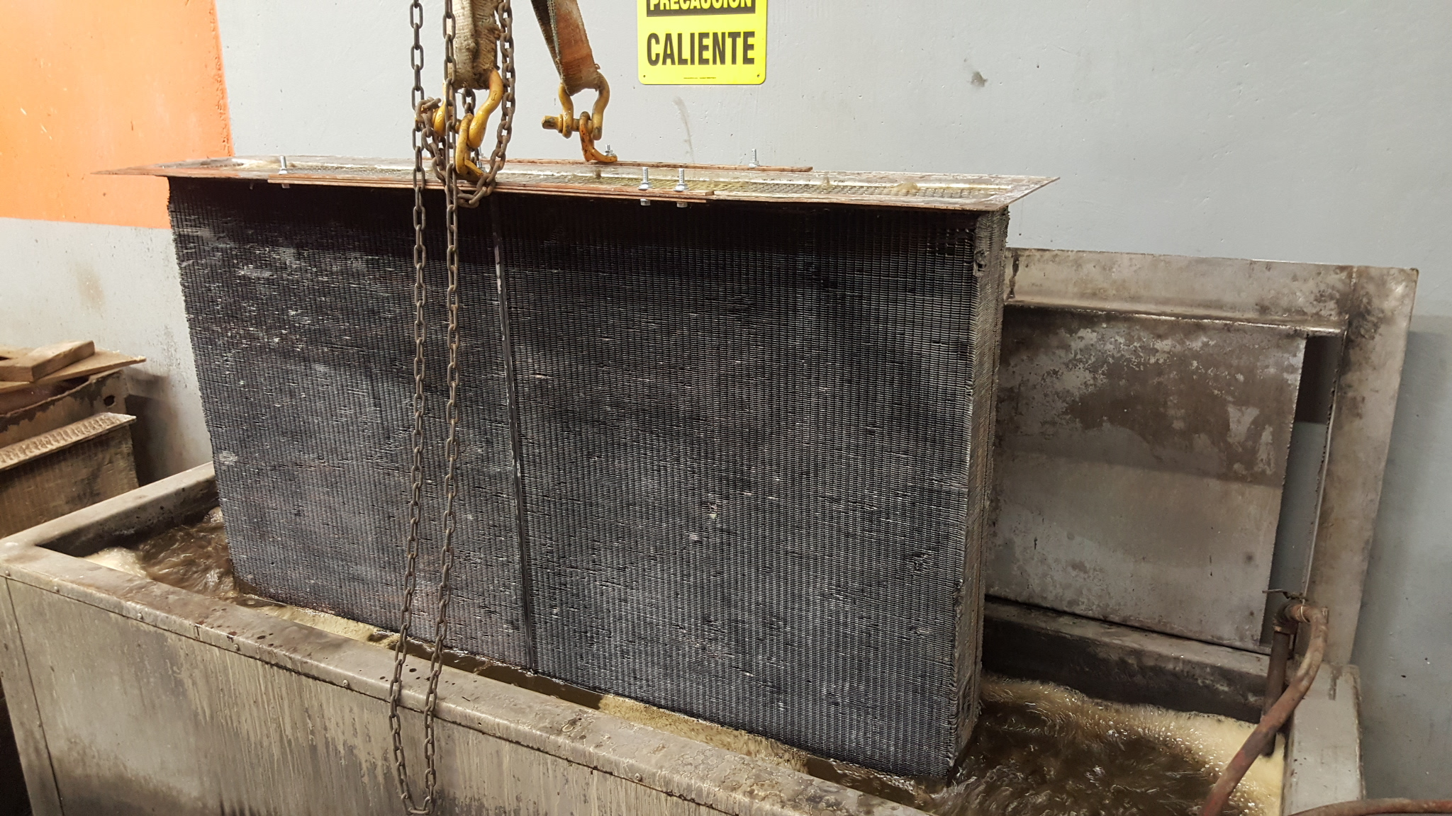 Industrial Flat Fin Radiator Core Cleaning In The Ultrasonic