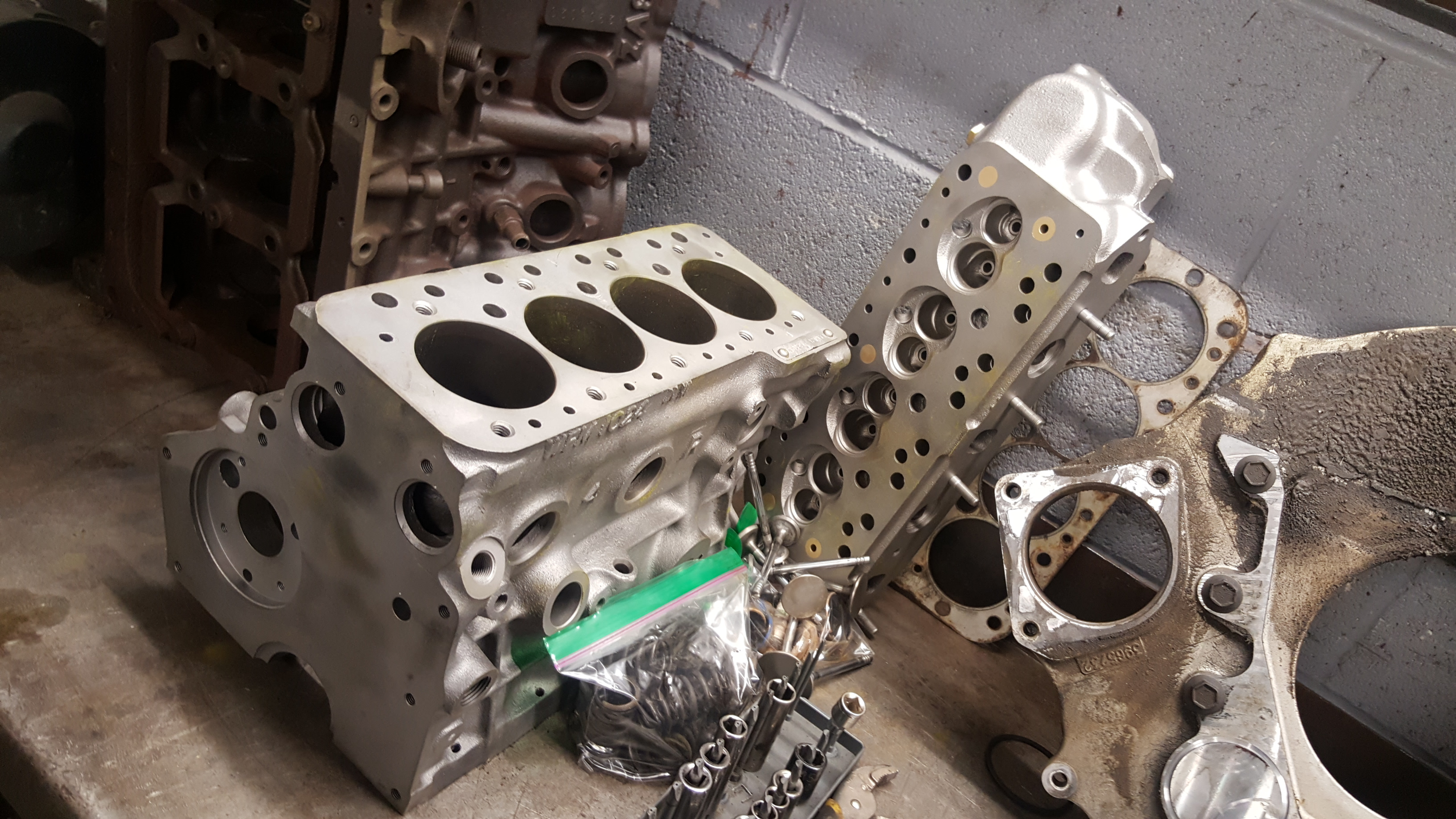 Mini Cooper Engine Block And Cylinder Head Cleaning Inspection