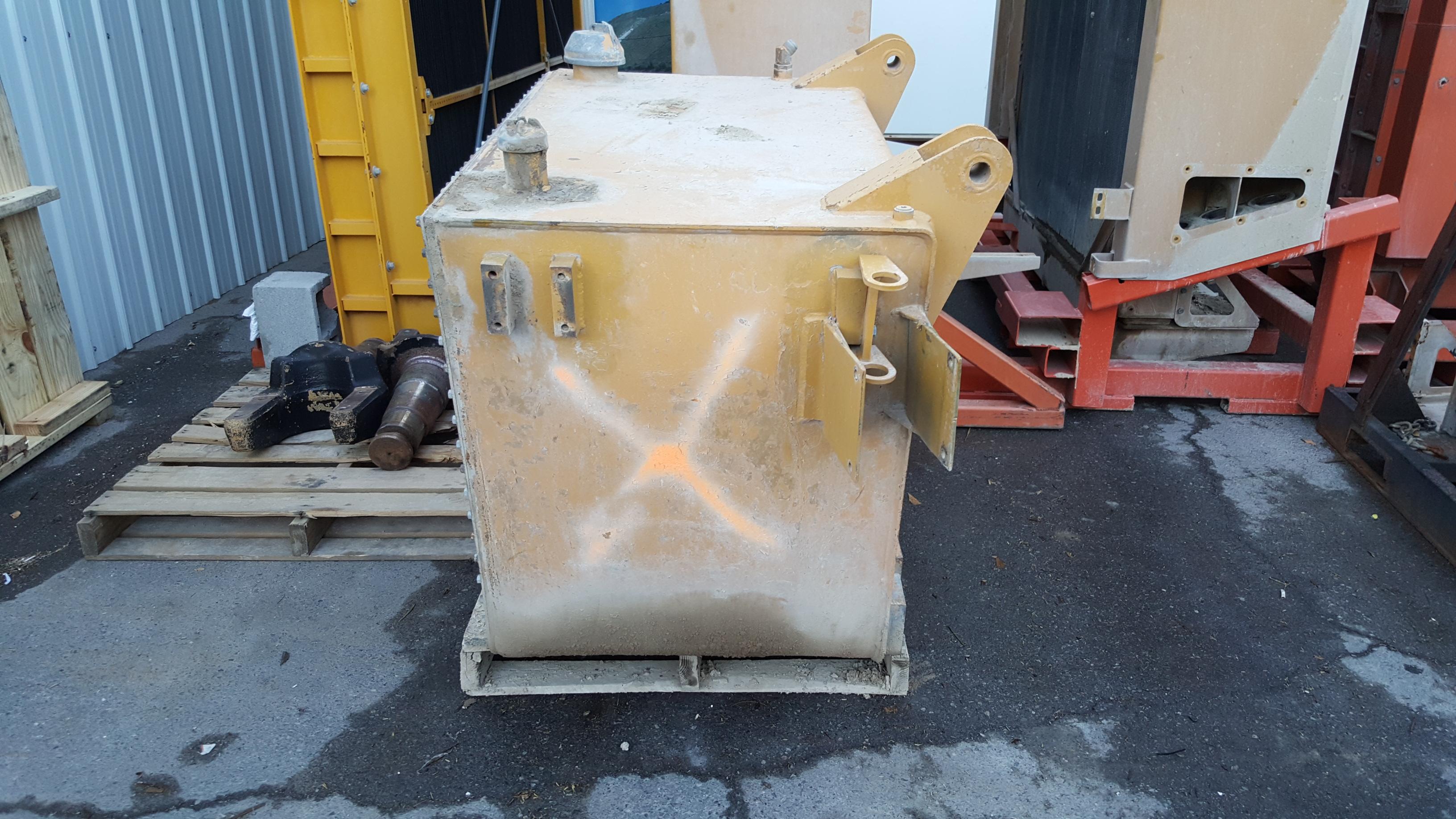 Caterpillar 785 Haul Truck Hydraulic Tank Repair and