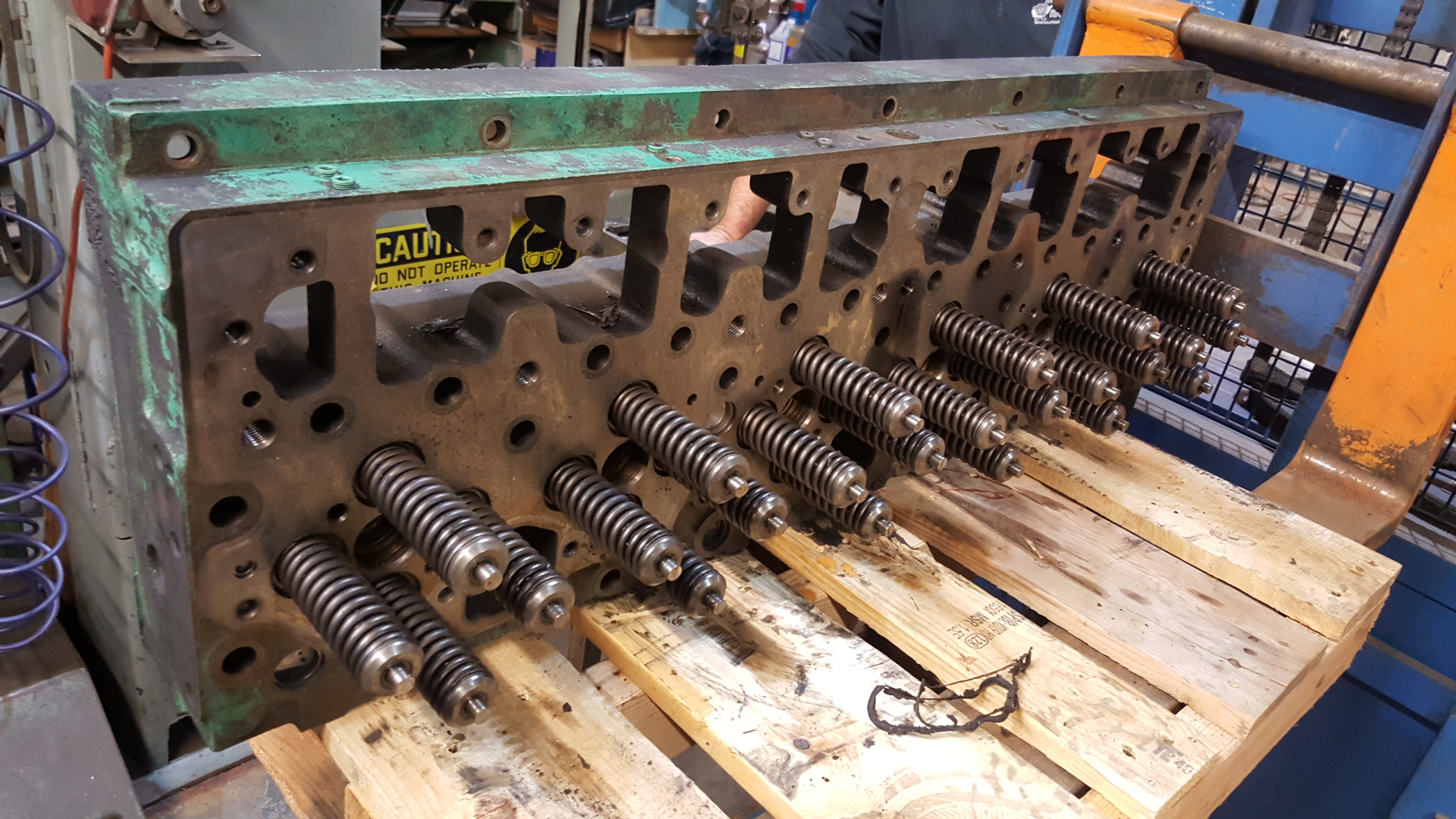 Cummins M11 & 5 9 Cylinder Head Rebuilding And Air