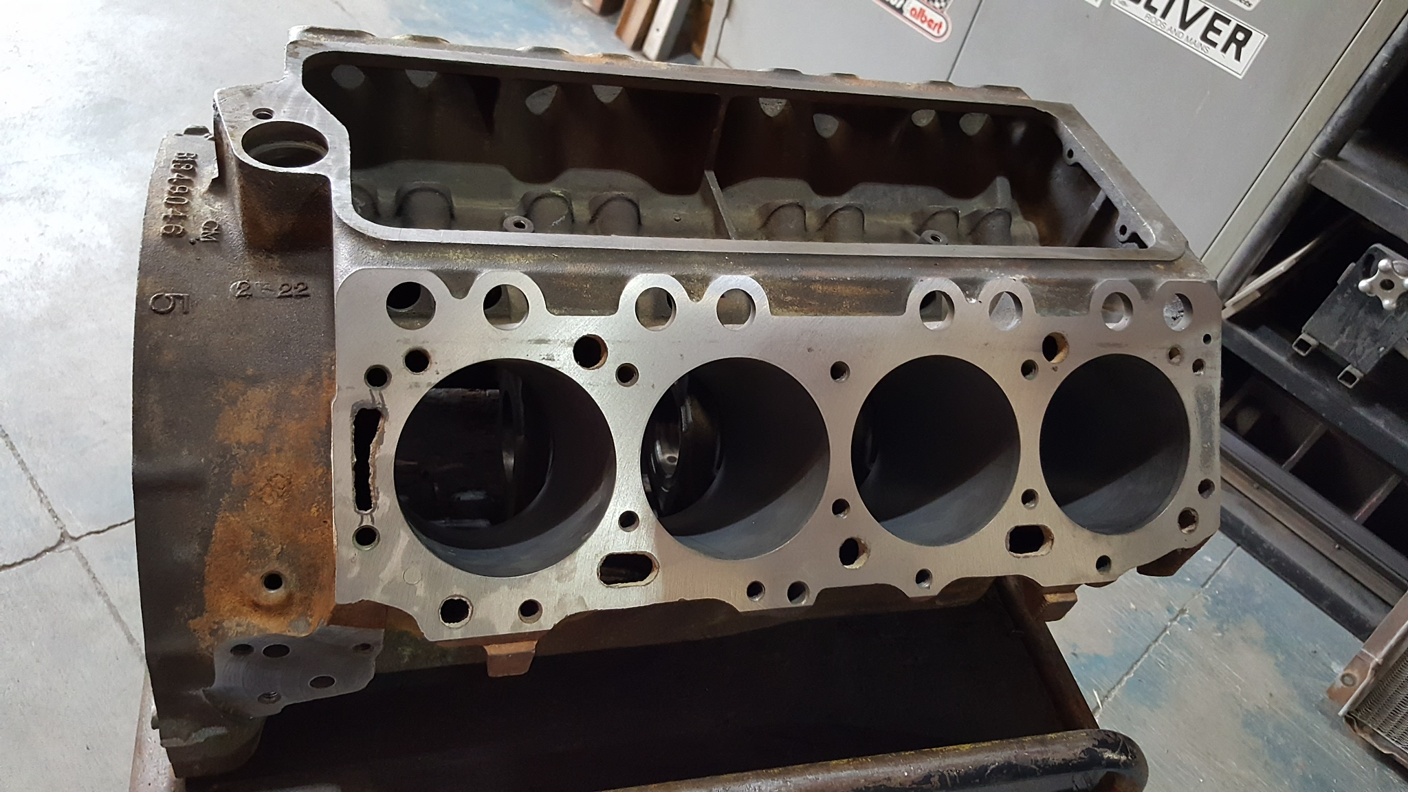 401 Buick Nailhead Block For Surface Cracks Repair - Motor